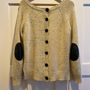 Market and spruce sweater size small.